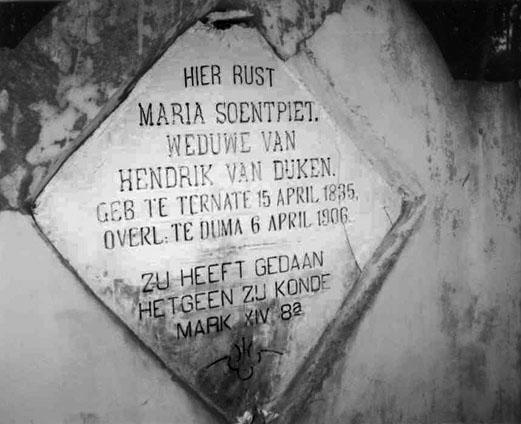 grafsteen van Maria Soentpiet