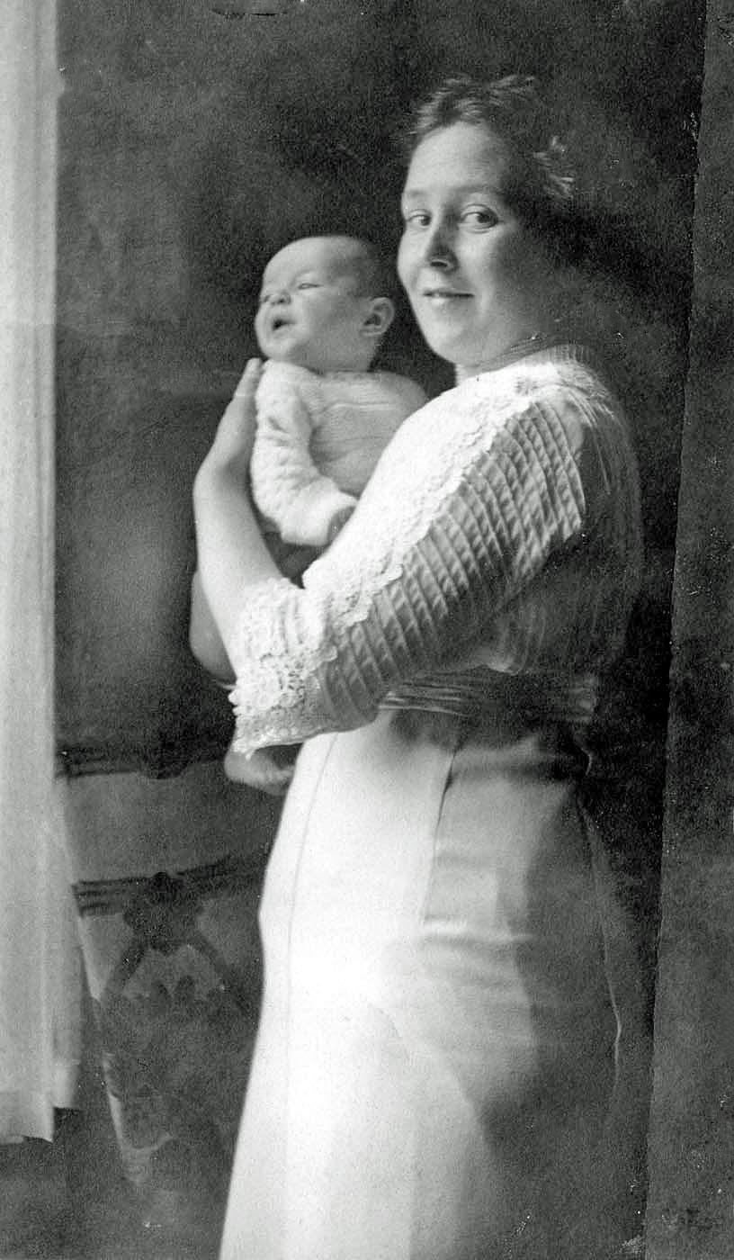Non van Baarda met dochter AE van der Bijll